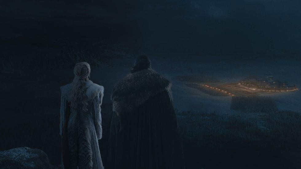 'Game of Thrones 8': Dai chien Winterfell day mau lua va gay hut hang hinh anh 2