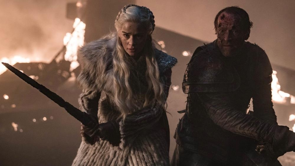 'Game of Thrones 8': Dai chien Winterfell day mau lua va gay hut hang hinh anh 1