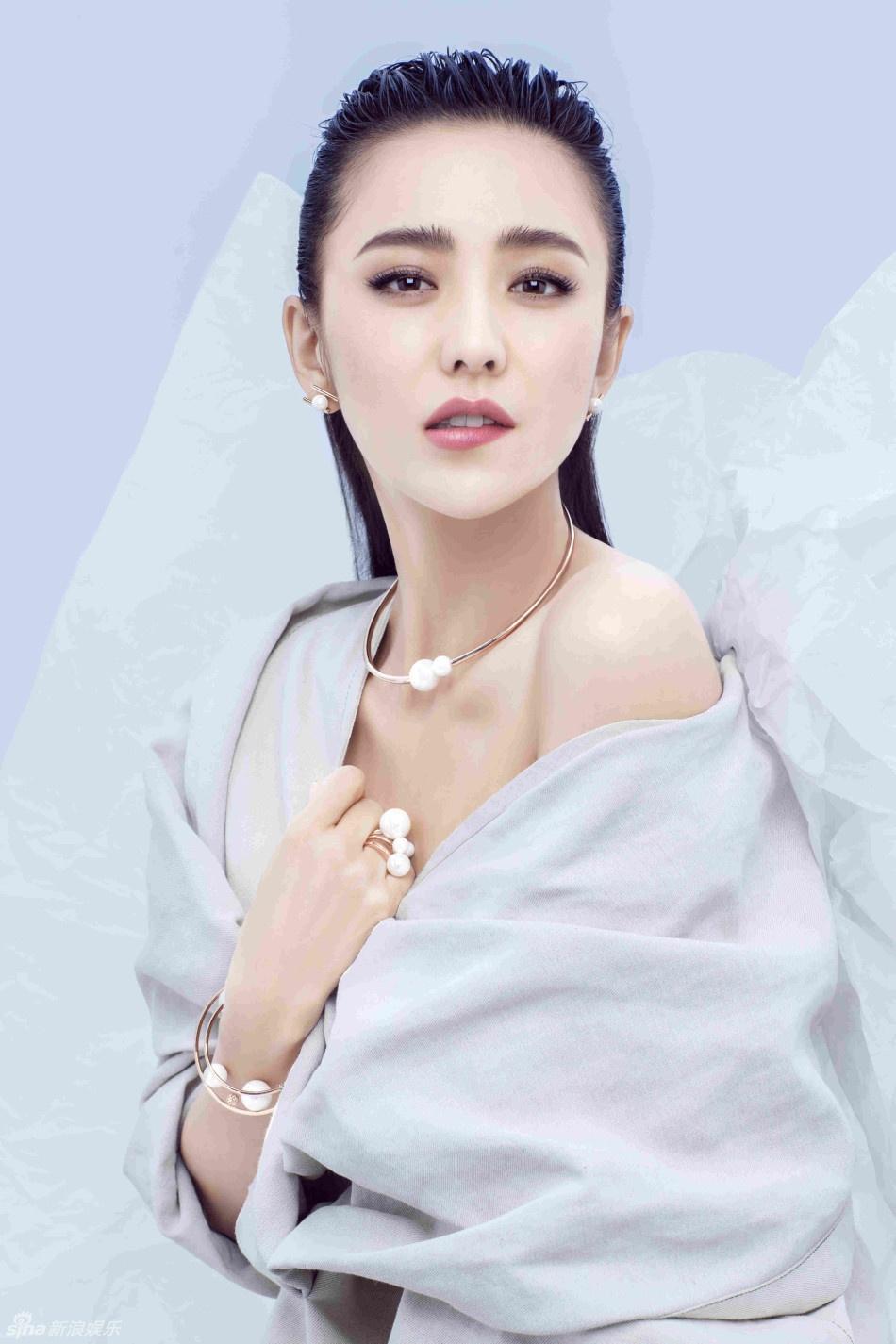 Dong Le A: Tuyet sac Trung Quoc vi sao chap nhan chong lien tuc co bo? hinh anh 2