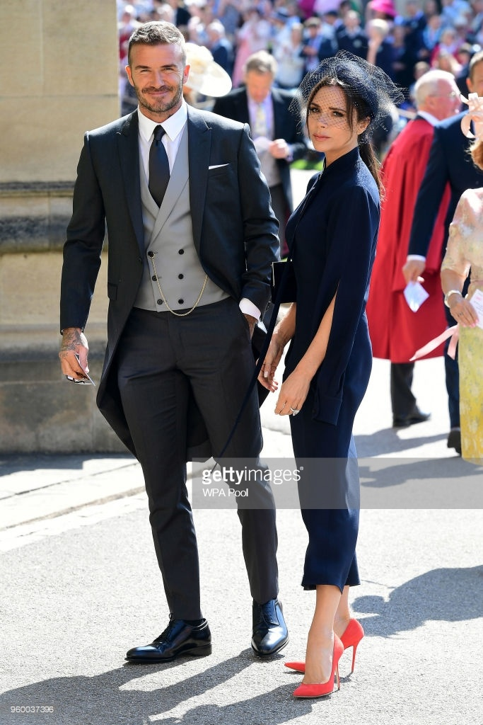 Le cuoi Hoang tu Harry: Vo chong Beckham va dan sao den chuc mung hinh anh 4