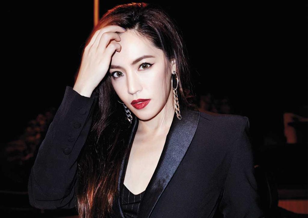Ngo Kien Hao ly hon anh 4