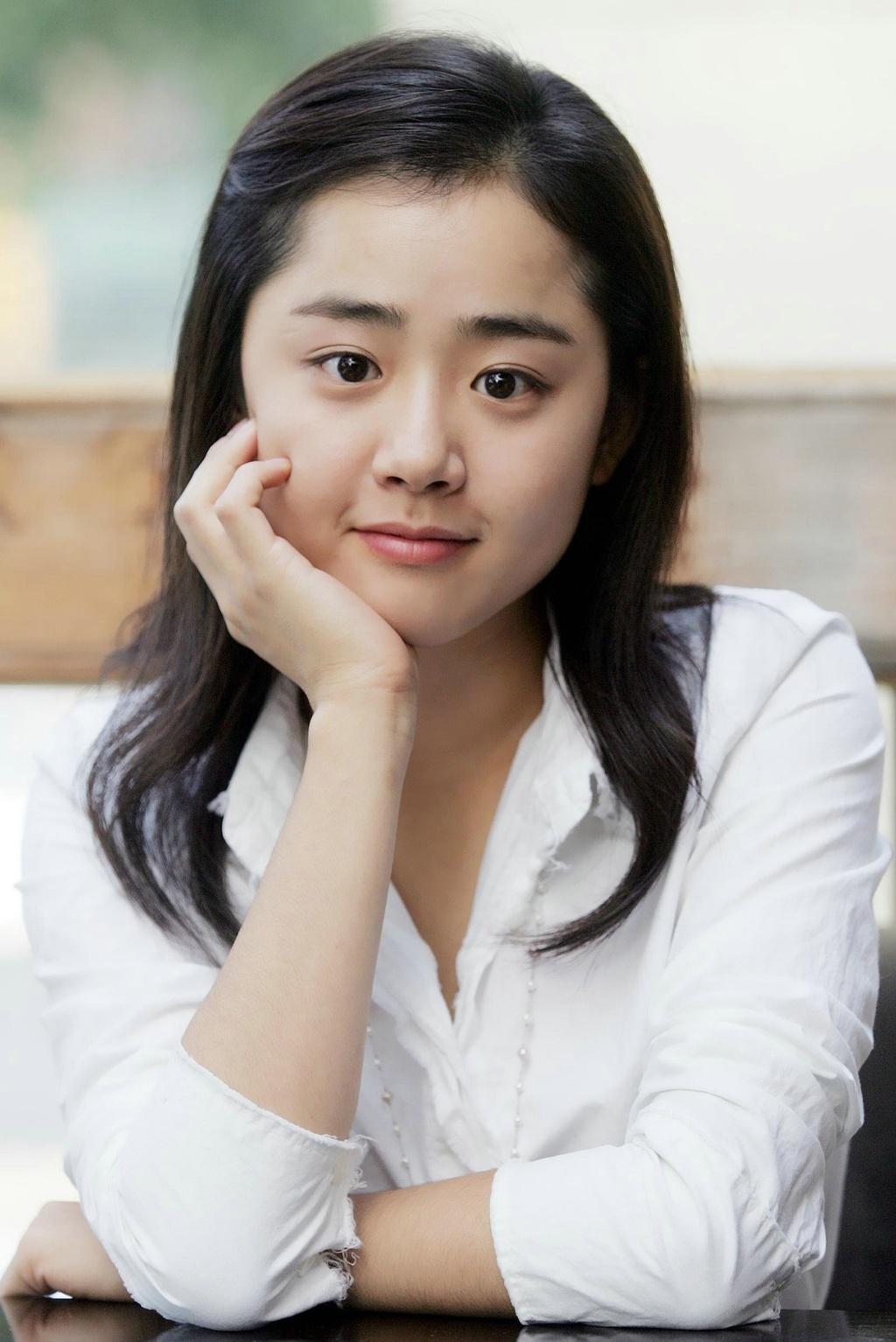 'Em gái quốc dân' Moon Geun Young lao đao ở tuổi 31
