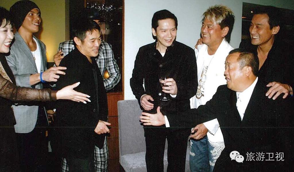 Huong Hoa Cuong - ong trum xa hoi den khet tieng showbiz Hong Kong hinh anh 5