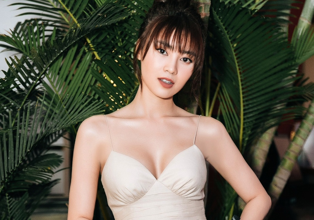 Ninh Duong Lan Ngoc - ngoc nu lot xac goi cam, nhieu on ao tinh cam hinh anh 1