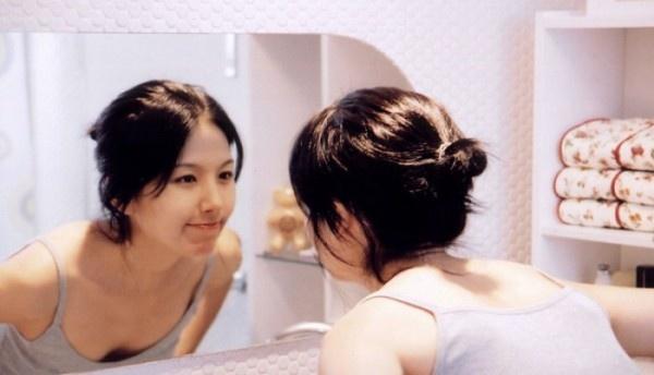 Lee Eun Joo - my nhan tu sat sau canh nong, gay thuong xot suot 14 nam hinh anh 1
