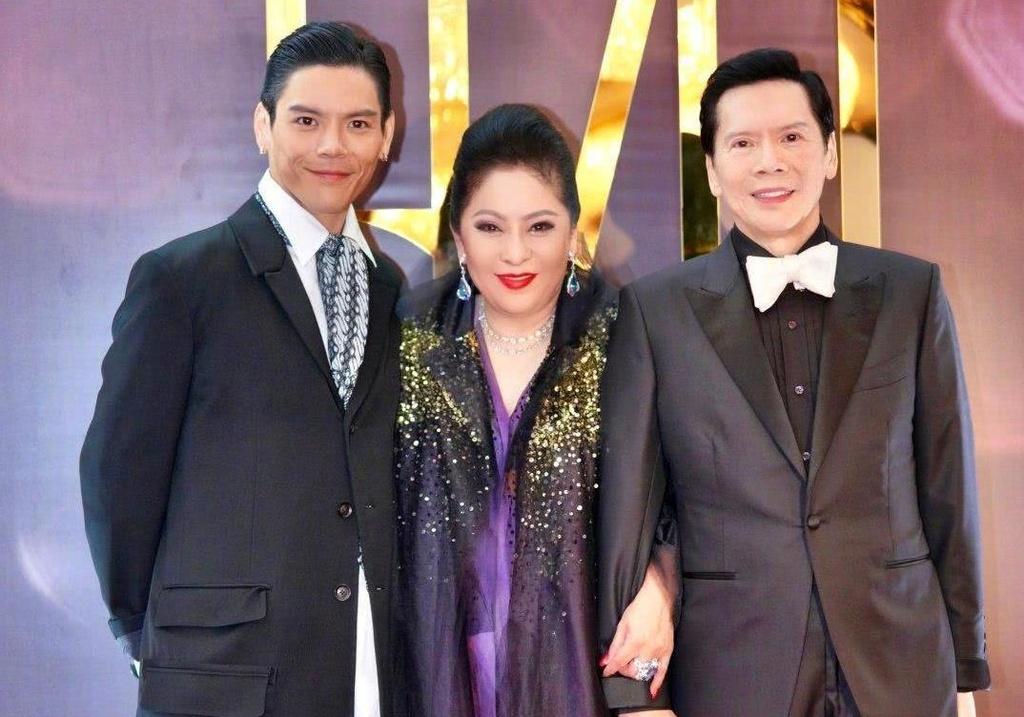 Ba trum showbiz Hong Kong - my nhan khien Chau Tinh Tri so hai hinh anh 1