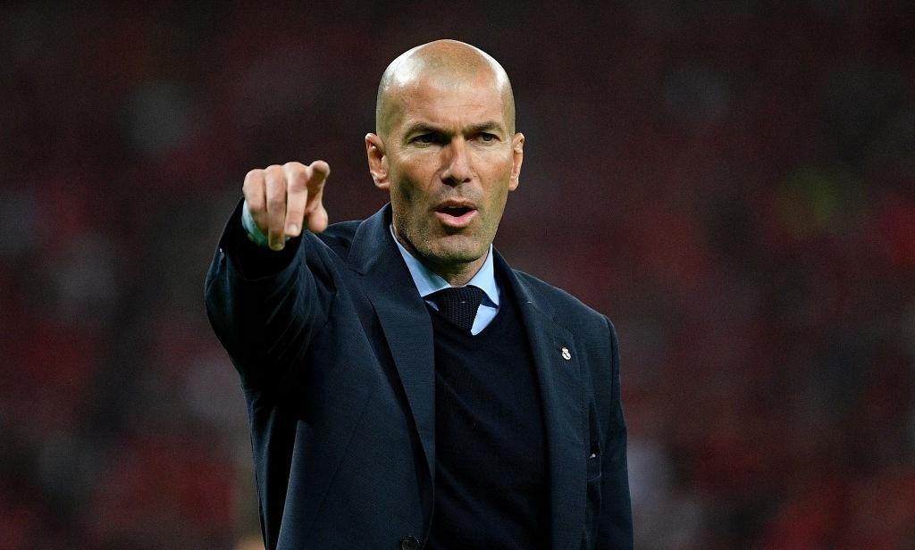 Zidane,  Real Madrid,  Cristiano Ronaldo,  Juventus,  Serie A anh 4