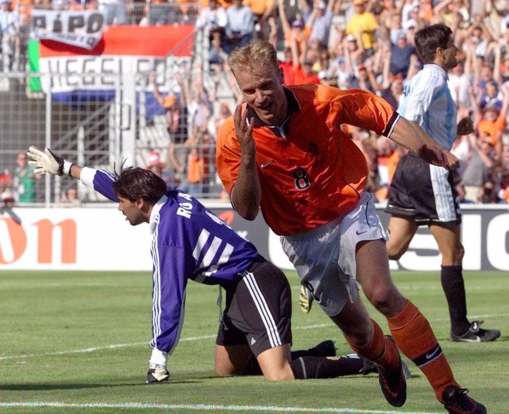 Dennis Bergkamp,  World Cup,  Ha Lan,  Argentina anh 4