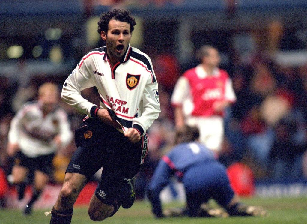 Man United,  Dennis Bergkamp,  Arsenal,  Premier League,  Champions League,  David Beckham,  MU anh 2