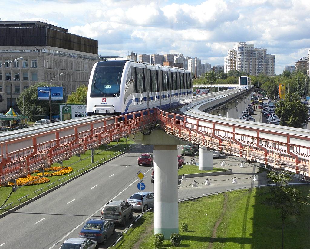 Hệ thống đường sắt đô thị ở thành phố Moscow, Nga, được xây dựng từ năm 1935 dưới thời Stalin. Hàng ngày, các chuyến tàu phục vụ khoảng 7 triệu lượt khách với mức giá khá rẻ. Sức hấp dẫn của nó còn nằm ở những tác phẩm nghệ thuật như tranh, tượng các anh hùng. Ảnh: Transphoto
