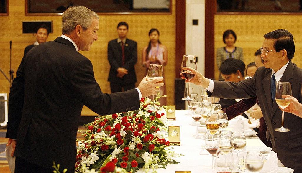 APEC 2006 va chuyen tham nang tam cua Tong thong Bush hinh anh 5