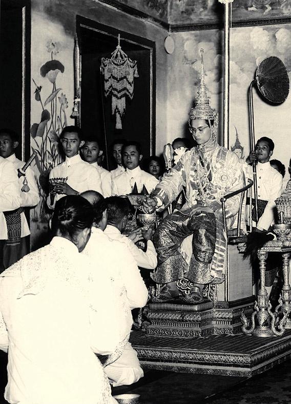 Vua Bhumibol vi vua nhan tu anh 3