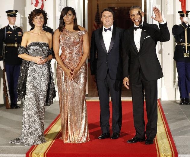 Tong thong Obama ngam ngui trong quoc yen cuoi cung hinh anh 1