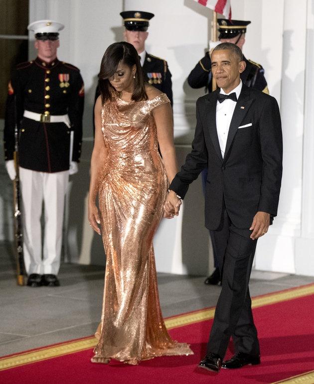 Tong thong Obama ngam ngui trong quoc yen cuoi cung hinh anh 2