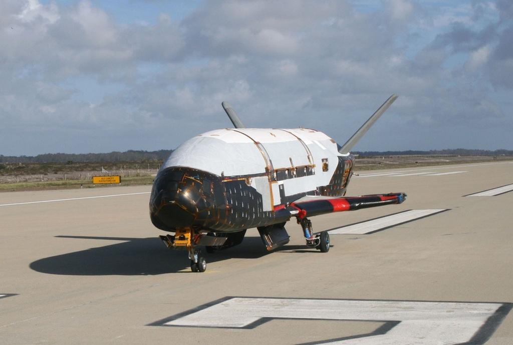 Su menh bi an cua X-37B trong khong gian hinh anh 2