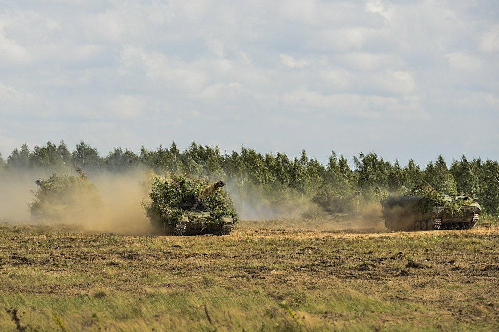 Sieu tang T-14 Armata lan dau xung tran tai Zapad 2017 hinh anh 11