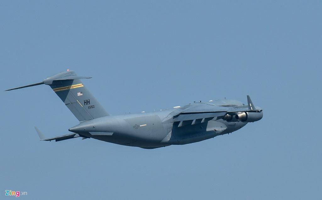 Ngua tho C-17 cho theo nhung gi den Viet Nam cho TT Trump? hinh anh 13