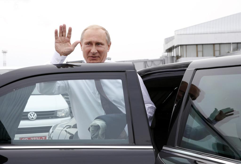 Sieu xe chong dan trieu do cua Tong thong Putin hinh anh 4