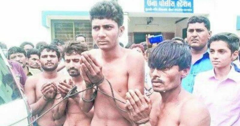 An Do,  dang cap,  dalit,  phan biet,  bieu tinh anh 3