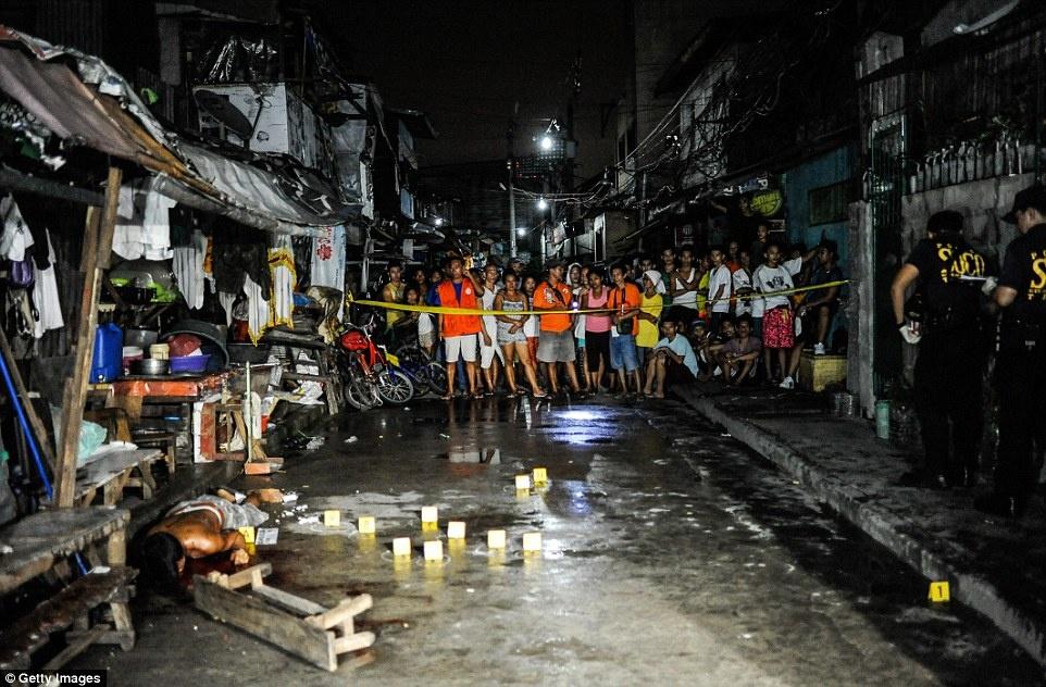 300 toi pham ma tuy bi ban chet trong 1 thang o Philippines hinh anh 8