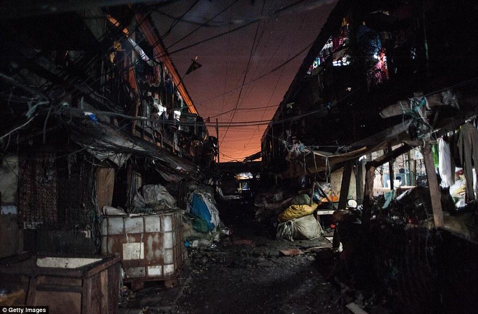 300 toi pham ma tuy bi ban chet trong 1 thang o Philippines hinh anh 10