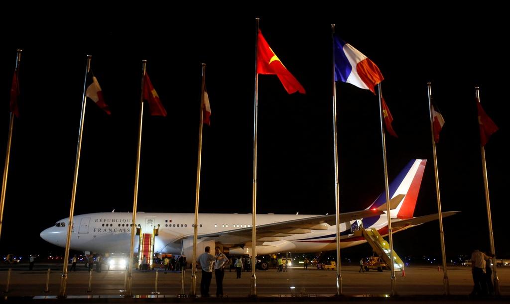 Tong thong Phap Francois Hollande da den Ha Noi hinh anh 2