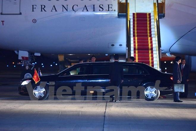 Tong thong Phap Francois Hollande da den Ha Noi hinh anh 6