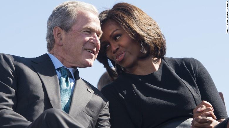 Tinh ban dac biet cua Michelle Obama va cuu tong thong Bush hinh anh 3