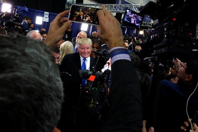 100 trieu luot nguoi xem Trump dau khau voi Clinton hinh anh 17
