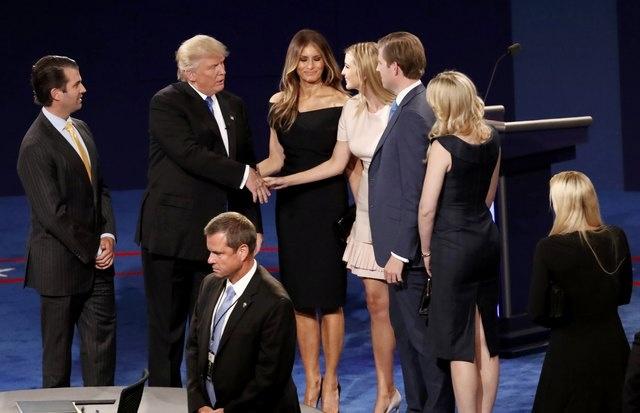 100 trieu luot nguoi xem Trump dau khau voi Clinton hinh anh 16