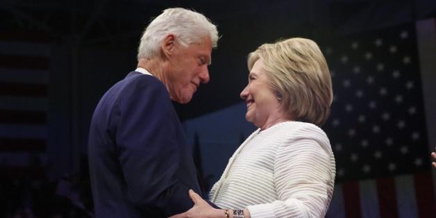 Chuyen tinh song gio cua vo chong ba Clinton anh 9