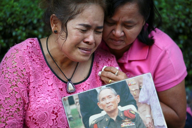 noi dau cua nguoi dan Thai Lan khi Quoc vuong Bhumibol Adulyadej bang ha anh 7