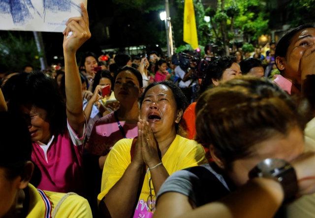 noi dau cua nguoi dan Thai Lan khi Quoc vuong Bhumibol Adulyadej bang ha anh 3
