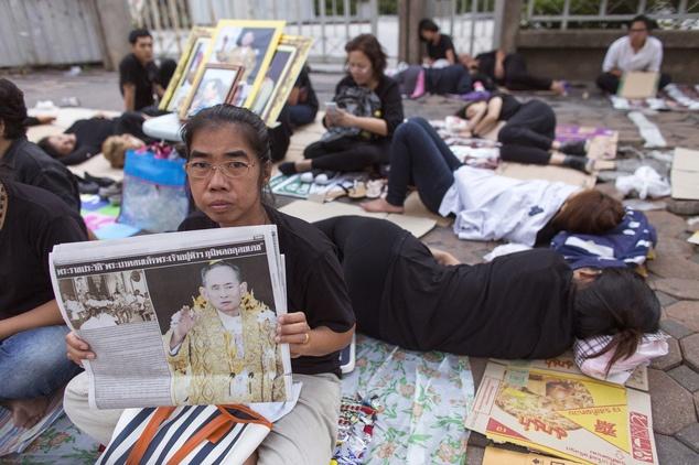 vua Rama IX,  quoc vuong Thai Lan bang ha,  vua Thai Lan tu tran,  Thai Lan anh 5