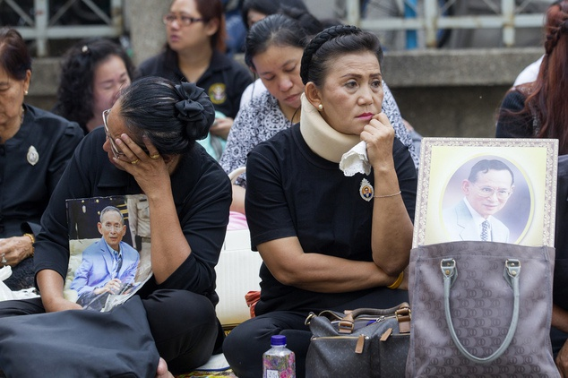 vua Rama IX,  quoc vuong Thai Lan bang ha,  vua Thai Lan tu tran,  Thai Lan anh 8