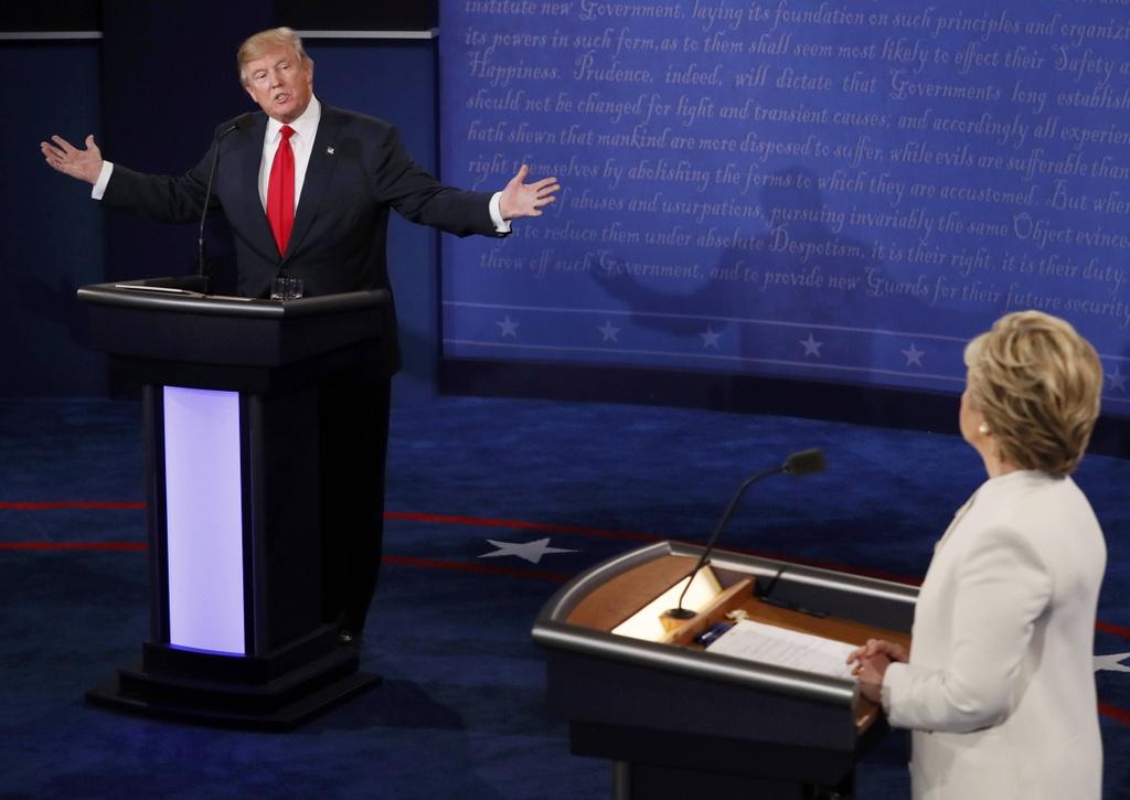 Clinton: Trump la con roi cua Putin hinh anh 3