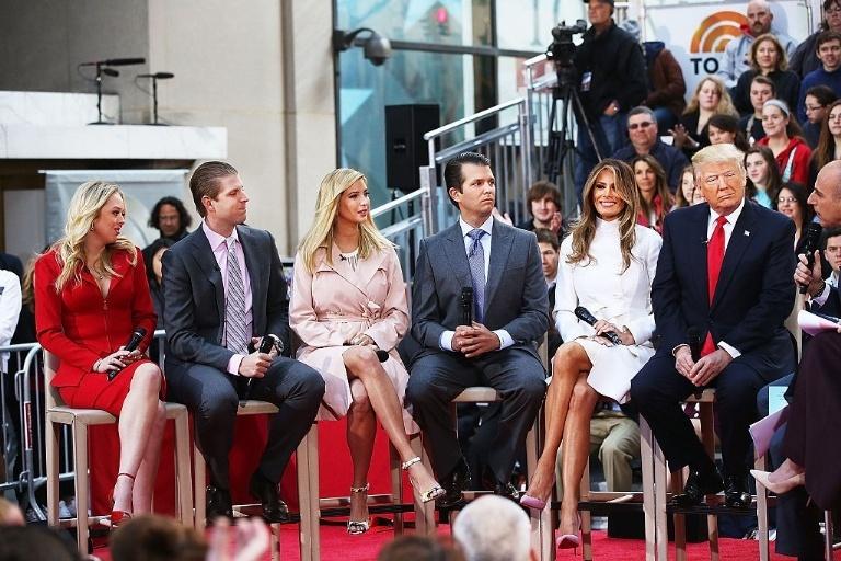 Dan trai xinh gai dep nha Trump voi 5 con, 8 chau hinh anh 2