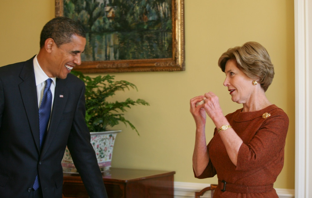 Nhung buc anh ke chuyen lan dau bo ngo cua Obama o Nha Trang hinh anh 9