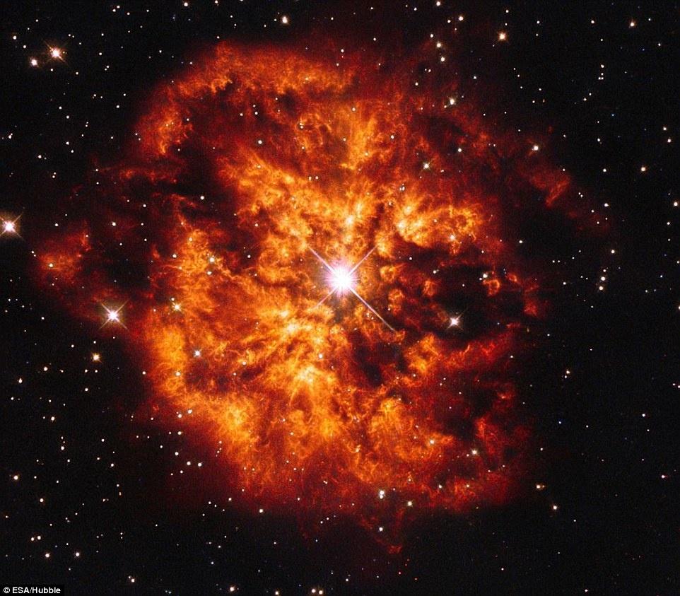 Thien ha bung no va ruc sang qua kinh vien vong Hubble hinh anh 9