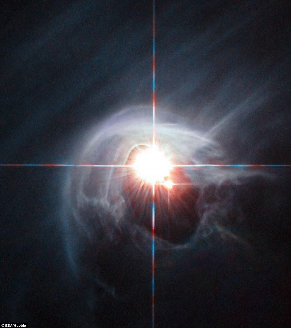 Thien ha bung no va ruc sang qua kinh vien vong Hubble hinh anh 14