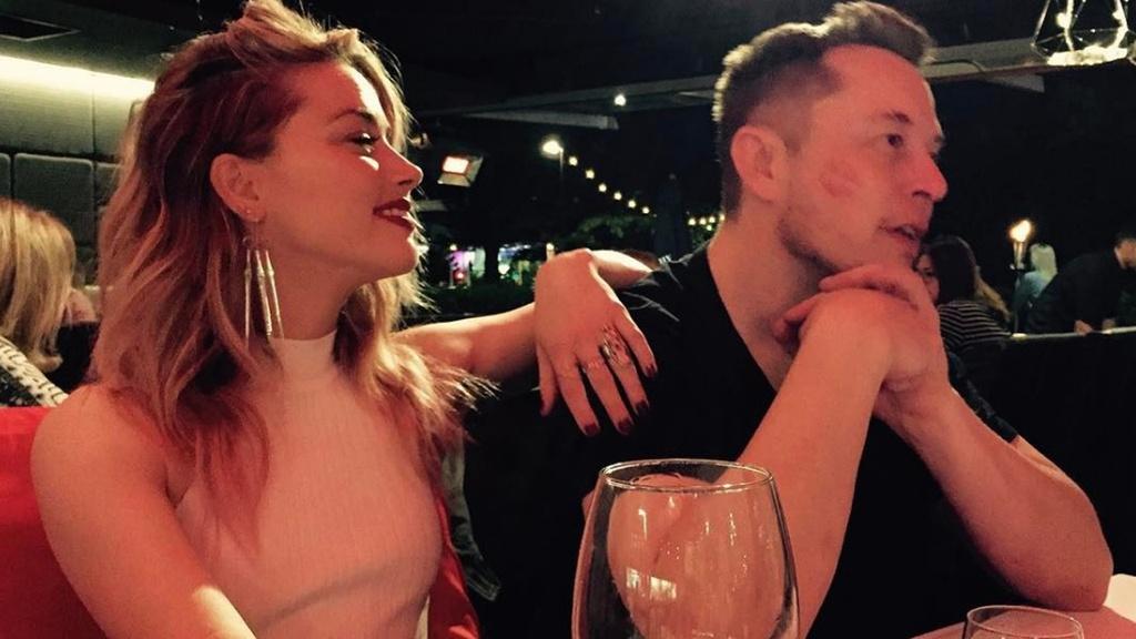 Ty phu Elon Musk 'da' Amber Heard: Cach yeu cua dan ong quyen luc hinh anh 4