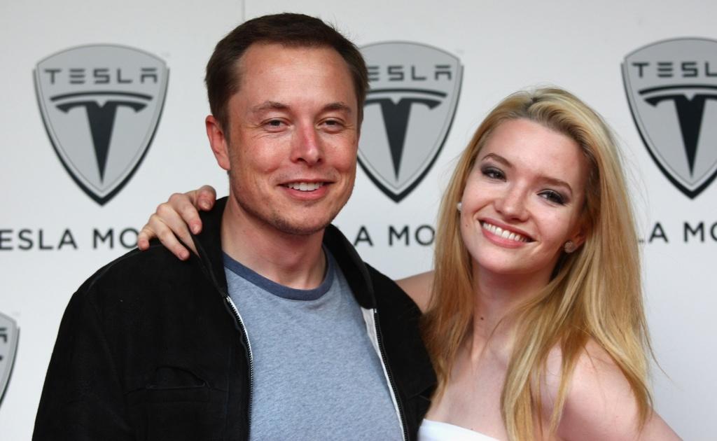 Ty phu Elon Musk 'da' Amber Heard: Cach yeu cua dan ong quyen luc hinh anh 2