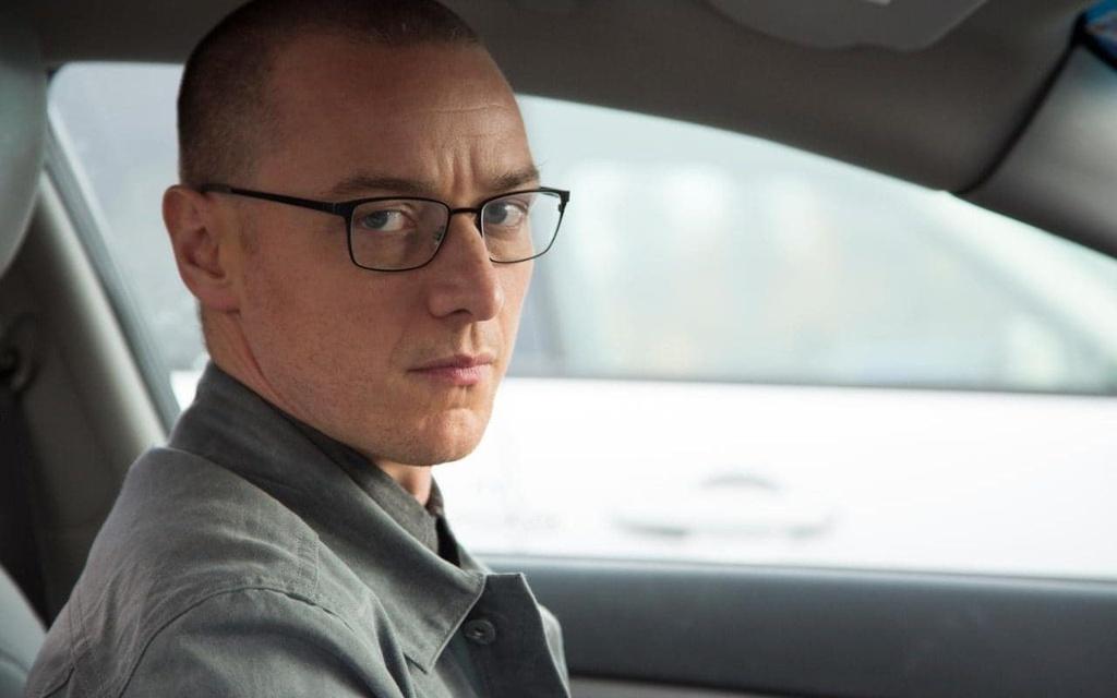 Trong Split, James McAvoy thủ vai kẻ tâm thần có 23 nhân cách khác nhau.