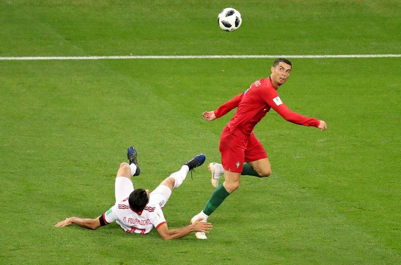 Xin loi Ronaldo, anh khong phai la 'The GOAT' hinh anh 2