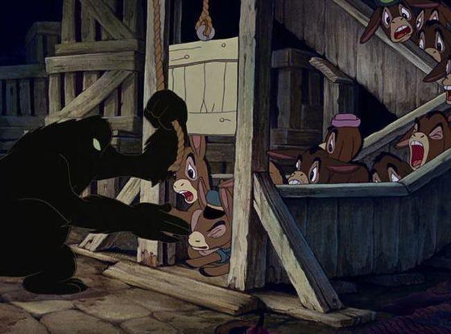 Chi tiết bạo lực, sexy gây tranh cãi ở các phim hoạt hình kinh điển
