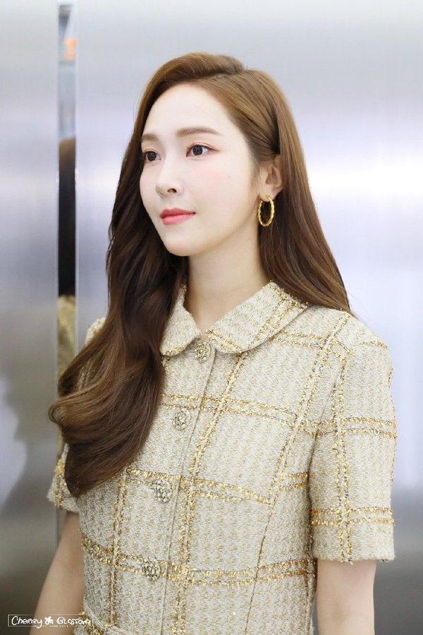 Nhung than tuong Kpop giong nhau nhu chi em sinh doi hinh anh 1 20191112102704_7aa5.jpg