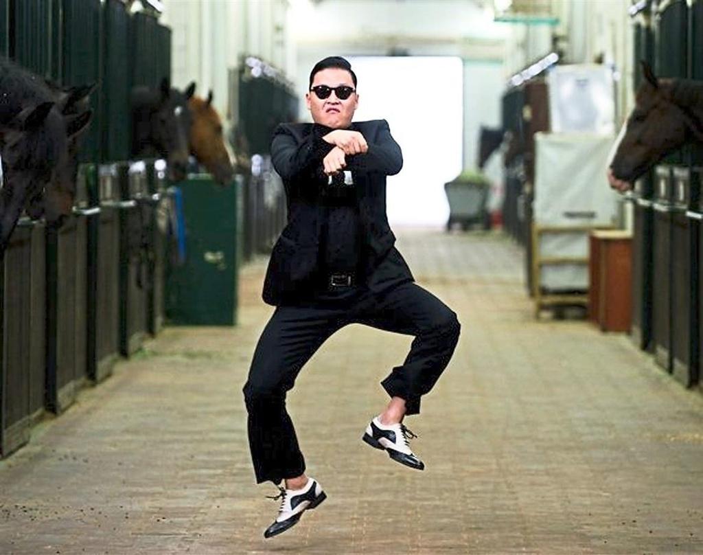 Psy: Psy ghi danh kỷ lục Guinness là nghệ sĩ có