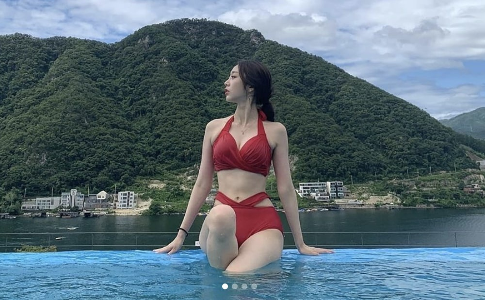 Seo Ji Soo bi chi trich vi dien bikini anh 1