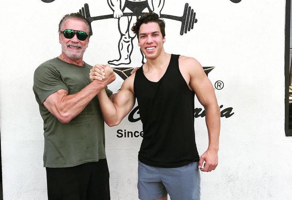 con roi cua Arnold Schwarzenegger anh 8