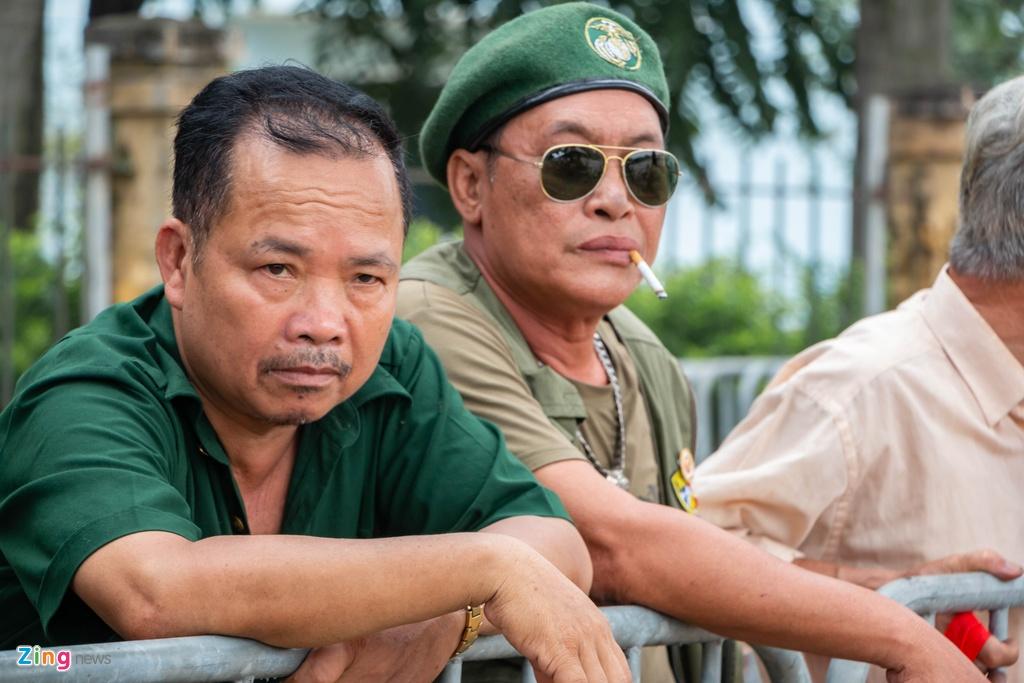 Dan phe cheo keo thuong binh ban lai ve tran Viet Nam vs Malaysia anh 2